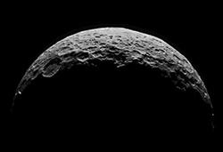 (Bild: NASA/JPL-Caltech/UCLA/MPS/DLR/IDA)