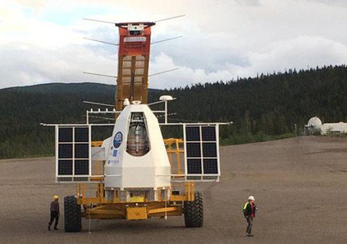 PoGO+ förbereds för släpp 10 juli. Den dagen tillät vädret på Esrange inte att ballongen släpptes. Foto: Mark Pearce.