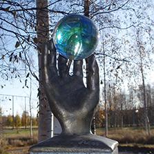 Sedna i Luleå: nu kan det bli fler dvärgplaneter i världens största skalmodell. (Foto: Dag Lindgren/CC BY-SA 3.0)