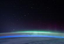 Starlink-satelliter från ISS. Foto: NASA